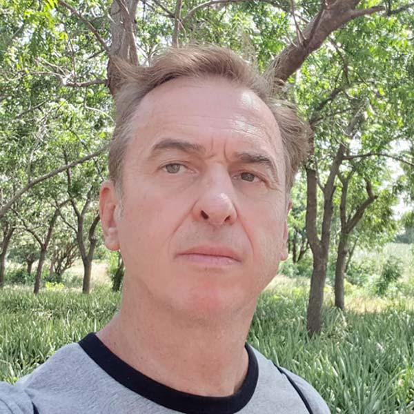 Dr Alain Bouckenooghe